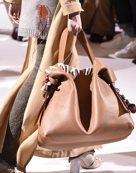 Итоги Недель моды: лучшие сумки | галерея [6] фото [3]