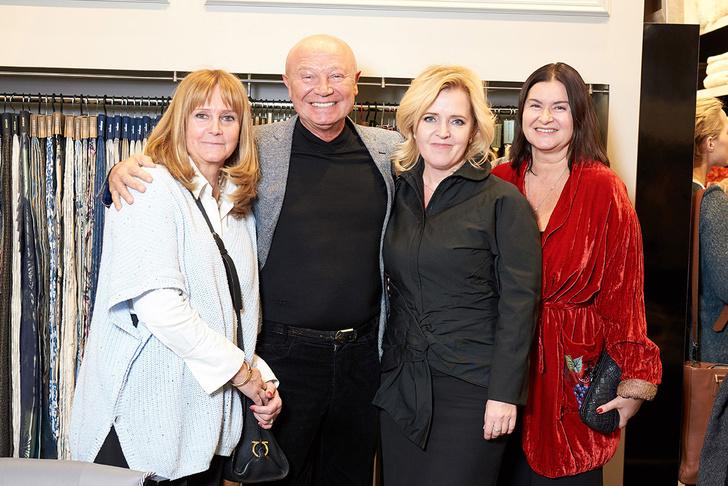 Выставка Елены Сотниковой в бутике Togas (фото 11)