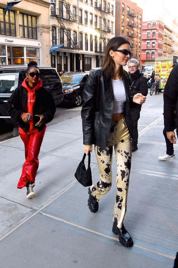 Главная вещь наступающей весны - кожаный пиджак: показывают Кендалл Дженнер и Белла Хадид (фото 1)