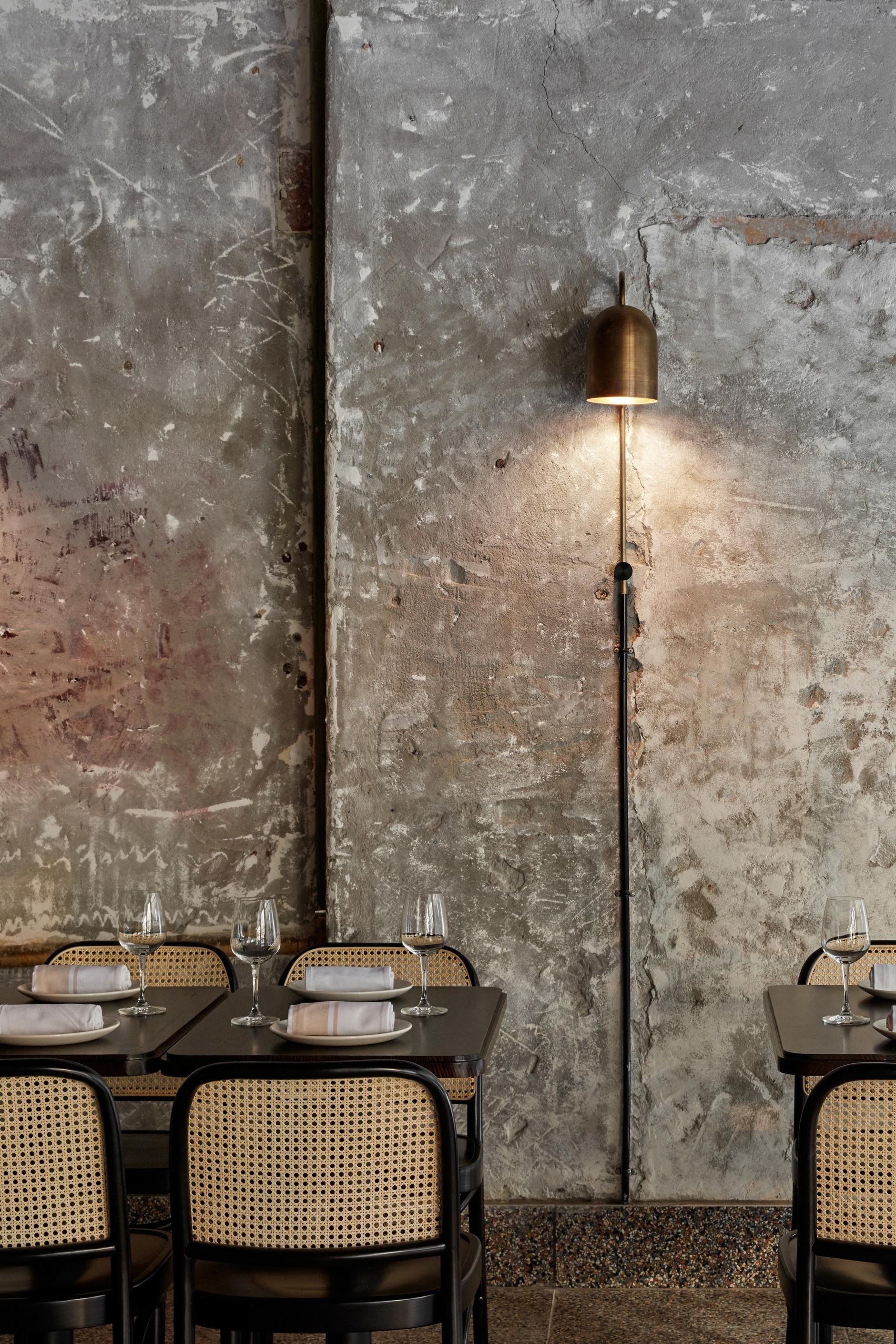 Розовый мрамор и потертый бетон: паста бар в Мельбурне (галерея 7, фото 1)