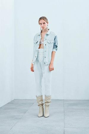 Тренд сезона: нижнее белье на модных подиумах (фото 9)