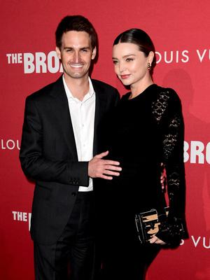 Фото дня: беременная Миранда Керр и Эван Шпигель в Лос-Анджелесе (фото 3)