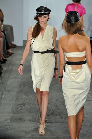 Показы мод Costello Tagliapietra Весна-лето 2009 | Подиум на ELLE - Подиум - фото 3474