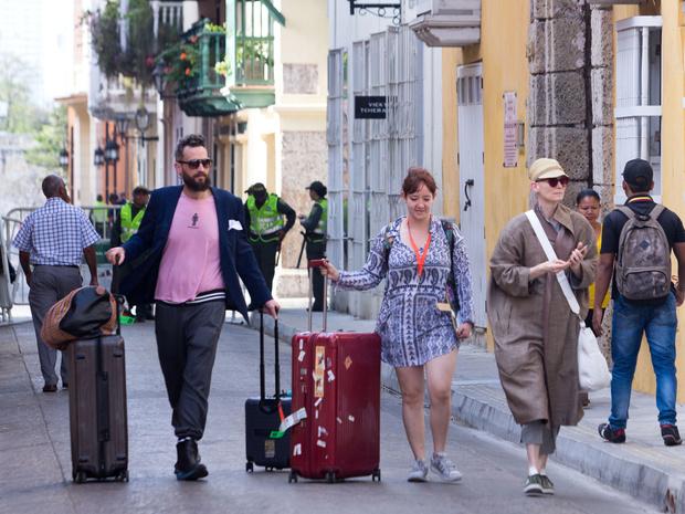 57-летняя Тильда Суинтон и ее молодой бойфренд  отдыхают в Колумбии (фото 1)