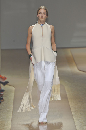 Показы мод Celine Весна-лето 2011 | Подиум на ELLE - Подиум - фото 2496