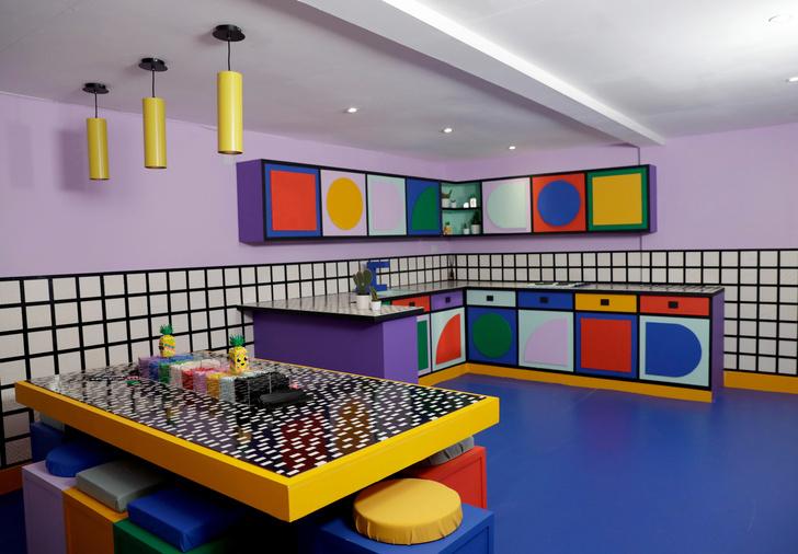 Игрушечный дом с декором из Lego по дизайну Камиллы Валалы (фото 2)