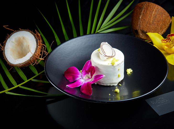 Кокосовый торт с жареным белым шоколадом