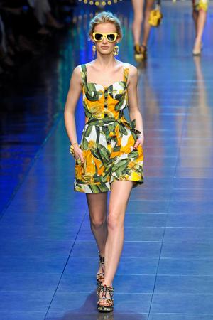 Показ Dolce & Gabbana коллекции сезона Весна-лето 2012 года prêt-à-porter - www.elle.ru - Подиум - фото 304299