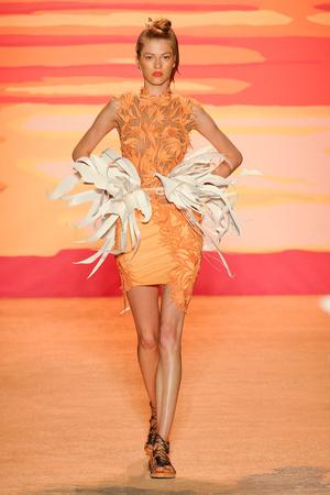 Показ Jen Kao коллекции сезона Весна-лето 2012 года prêt-à-porter - www.elle.ru - Подиум - фото 293805