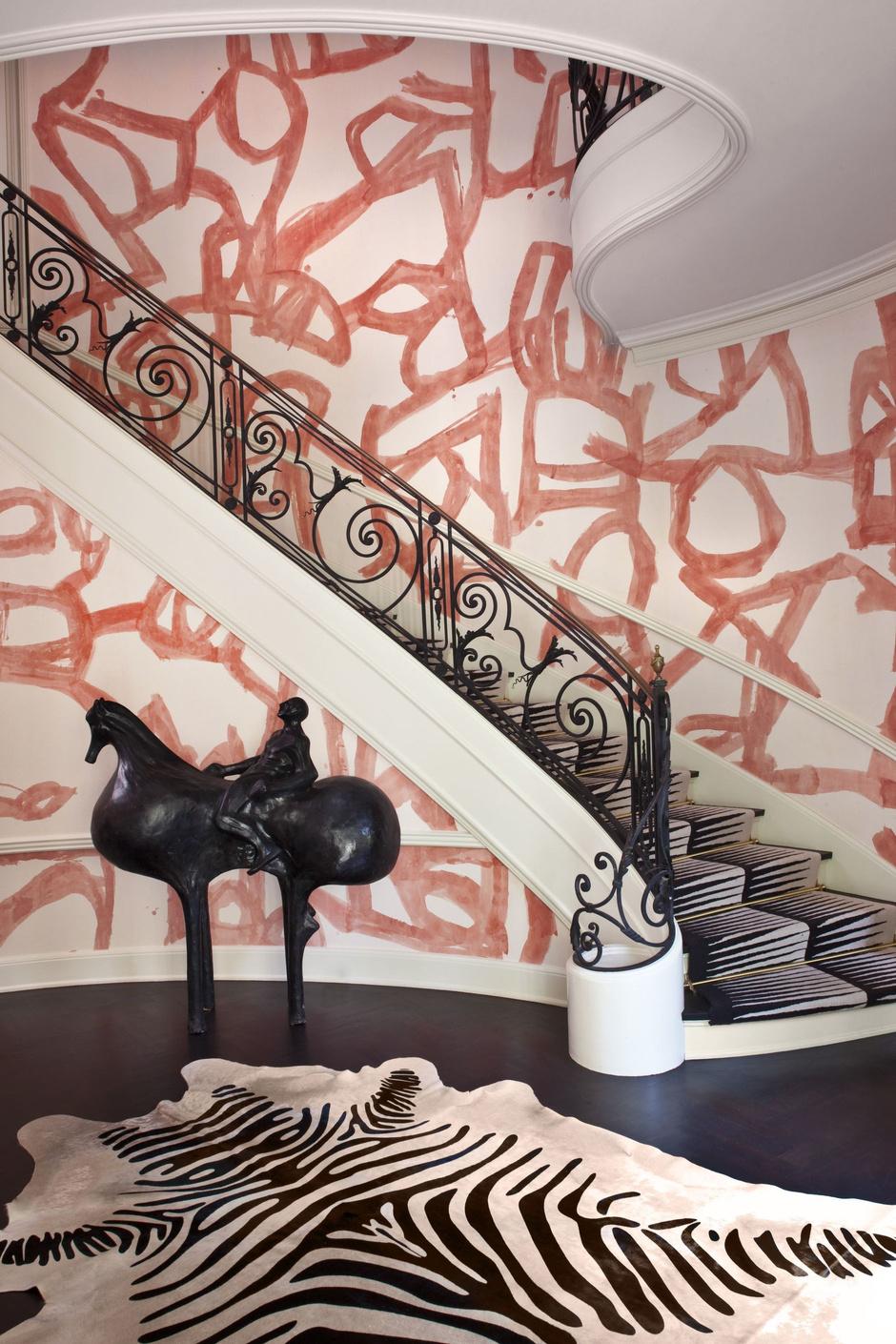 Как обновить лестницу в загородном доме (фото 5)