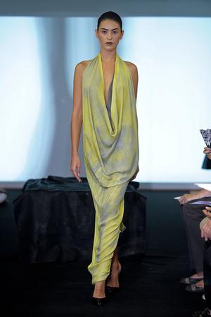 Показ Atelier Gustavo Lins коллекции сезона Осень-зима 2011-2012 года haute couture - www.elle.ru - Подиум - фото 278120