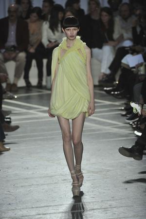 Показы мод Givenchy Весна-лето 2010 | Подиум на ELLE - Подиум - фото 2940