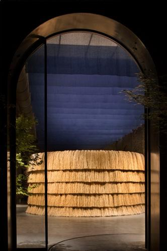 В отеле Sister Hotel можно купить мебель и арт-объекты (фото 6.2)