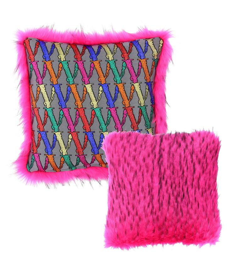 Текстиль и аксессуары из обновленных коллекций Versace Home (фото 4)
