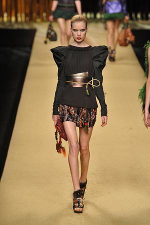 Показ Louis Vuitton коллекции сезона Весна-лето 2009 года prêt-à-porter - www.elle.ru - Подиум - фото 85583