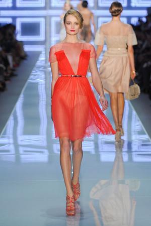 Показ Christian Dior коллекции сезона Весна-лето 2012 года prêt-à-porter - www.elle.ru - Подиум - фото 310566