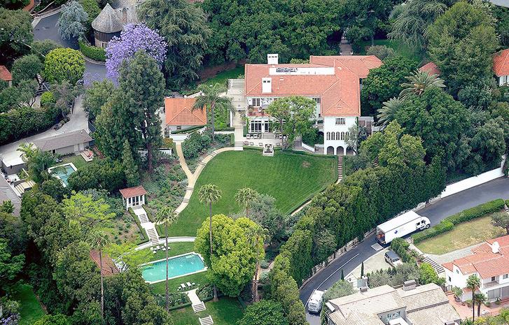 Анджелина Джоли переезжает в новый дом