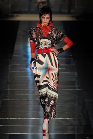 Показы мод Jean Paul Gaultier Весна-лето 2011 | Подиум на ELLE - Подиум - фото 2493