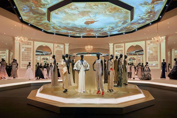 Выставка «Кристиан Диор: дизайнер мечты» в Лондоне (фото 8)