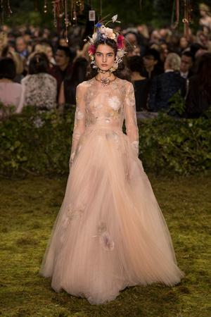 Показ Christian Dior коллекции сезона Весна-лето  2017 года Haute couture - www.elle.ru - Подиум - фото 616266