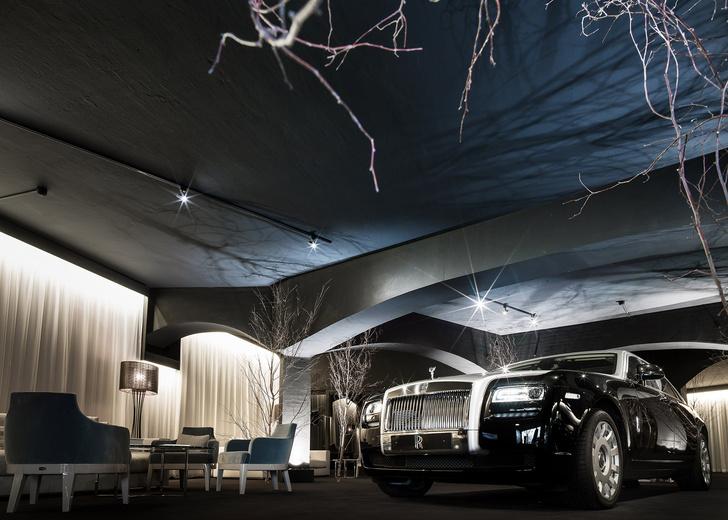 Rolls-Royce открыл летнюю студию на Сардинии фото 2