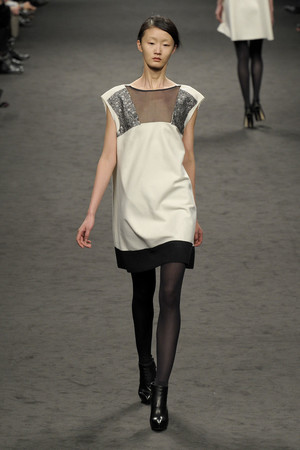 Показ CNC Costume National коллекции сезона Осень-зима 2011-2012 года Prêt-à-porter - www.elle.ru - Подиум - фото 245951