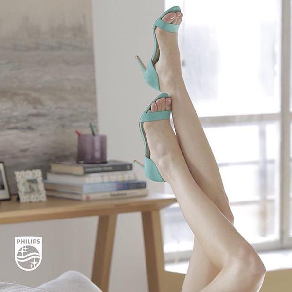 Вместе с @elle_russia мы хотим узнать, чего же хотят ваши ножки? Участвуйте в конкурсе «Эти ноги хотят!», выкладывайте фото ваших ног в Instagram, делитесь своими желаниями и не забудьте добавить хештеги #этиногихотят и #elle20philips! Участницы, чьи фото наберут большее количество лайков, получат великолепную #PhilipsLumea SC2007! Конкурс продлится до 17 апреля.
