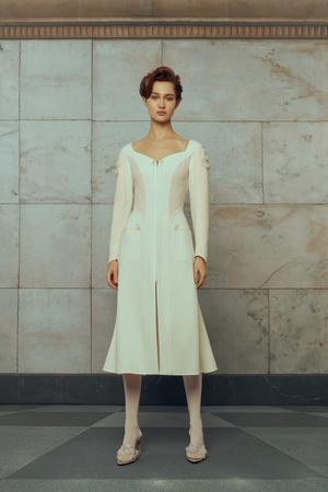 Свадебные платья в стиле 50-х, шляпы и безупречная вышивка: лукбук Edem (фото 10.2)