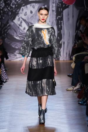 Показ Tsumori Chisato коллекции сезона Осень-зима 2013-2014 года Prêt-à-porter - www.elle.ru - Подиум - фото 537402