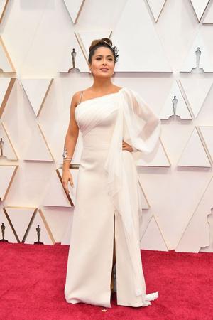 Греческая богиня: Сальма Хайек на премии «Оскар-2020» (фото 1.1)