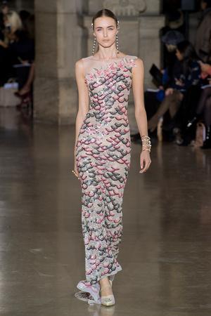 Показ Georges Hobeika коллекции сезона Весна-лето  2017 года Haute couture - www.elle.ru - Подиум - фото 616304
