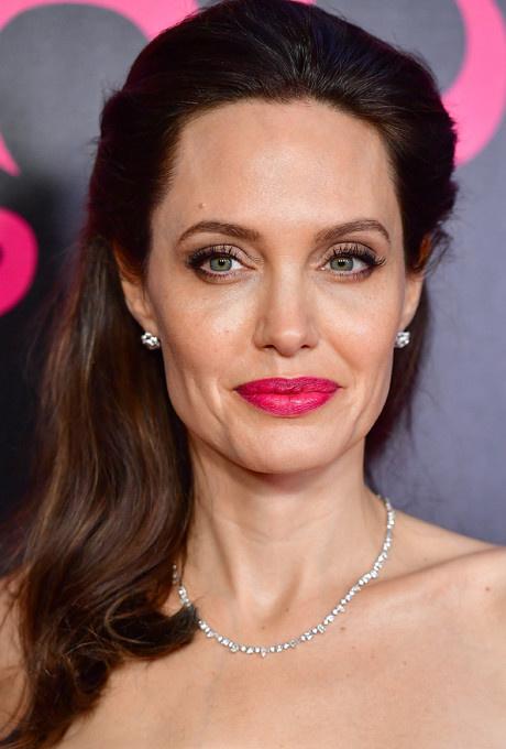 Красота вне времени: бьюти-секреты Анджелины Джоли фото [8]