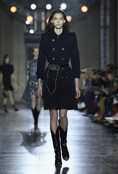 Клэр Уэйт Келлер показала первую коллекцию для Givenchy | галерея [1] фото [16]