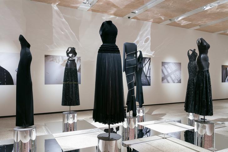 Выставка Аззедина Алайи в Лондоне (фото 4)