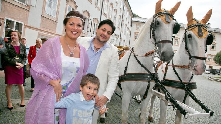 Юсиф Эйвазов и Анна Нетребко с сыном Тьяго