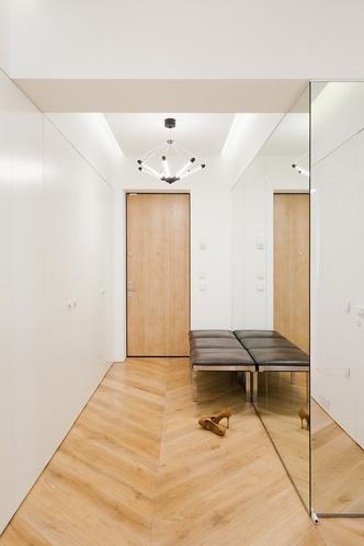 Московский минимализм: светлая квартира с деревянными ставнями (фото 10.2)