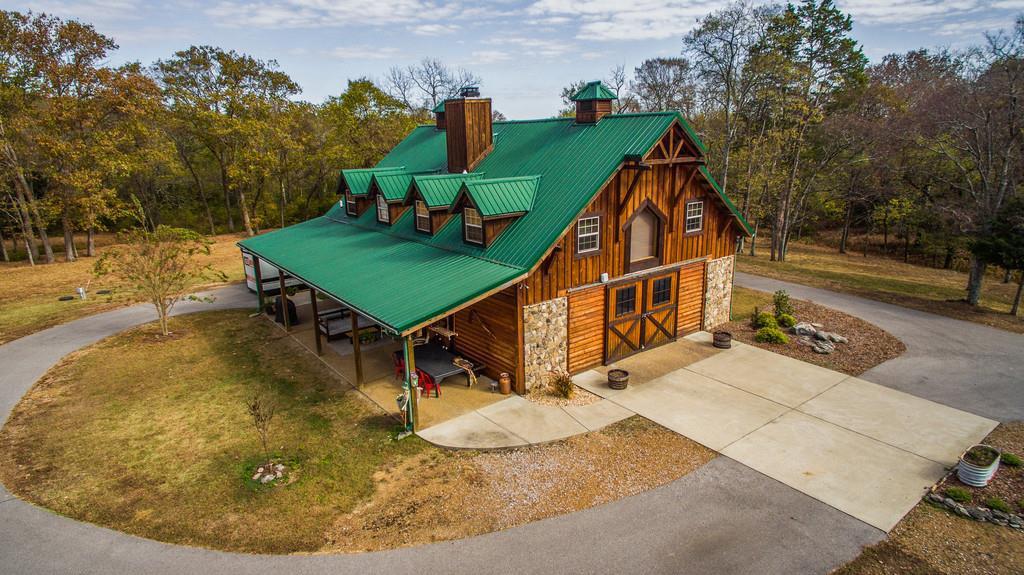 Новый дом Майли Сайрус в Теннеси | галерея [1] фото [2]