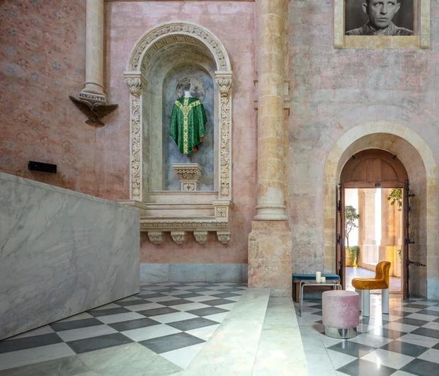 Отель в бывшем монастыре по дизайну Джона Поусона (фото 4)