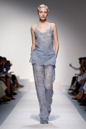 Прозрачные пижамы Ermanno Scervino, которые нужны нам всем будущей весной (фото 4.2)