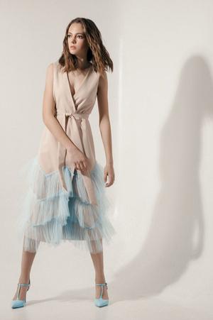 20 нарядных платьев на случай, если вас этим летом пригласили на свадьбу (фото 9.2)