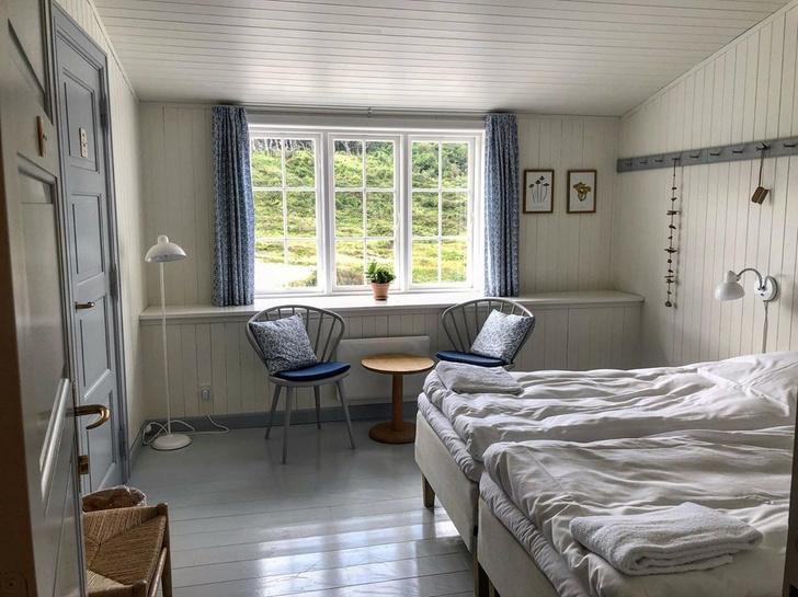 Владельцы восстановили отель у Северного моря (фото 10)