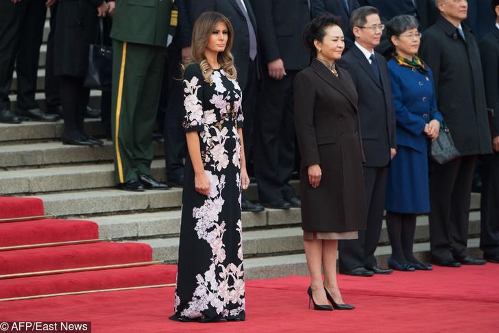 Роскошная Мелания Трамп на церемонии приветствия в Пекине фото [1]