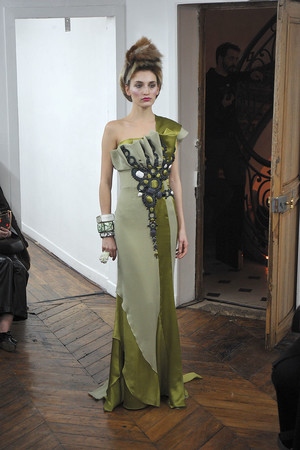Показ On Aura Tout Vu коллекции сезона Весна-лето 2009 года haute couture - www.elle.ru - Подиум - фото 86890