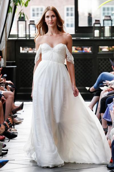 50 самых красивых платьев со Свадебной Недели Моды в Нью-Йорке | галерея [1] фото [11]