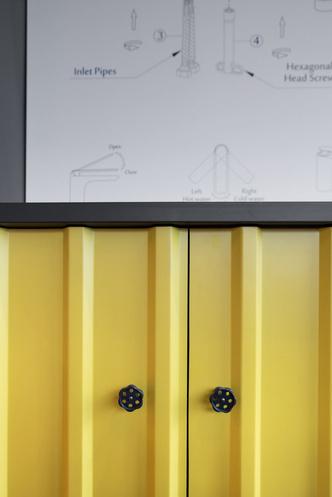 Офис в Польше в духе домов из контейнеров (фото 6.1)