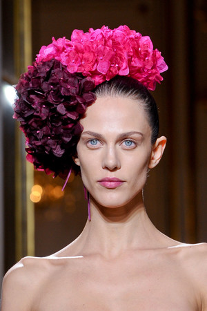 Показ Giambattista Valli коллекции сезона Весна-лето 2012 года Haute couture - www.elle.ru - Подиум - фото 331083