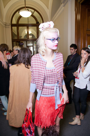 Показ Vivienne Westwood Red Label коллекции сезона Весна-лето 2013 года Prêt-à-porter - www.elle.ru - Подиум - фото 430215