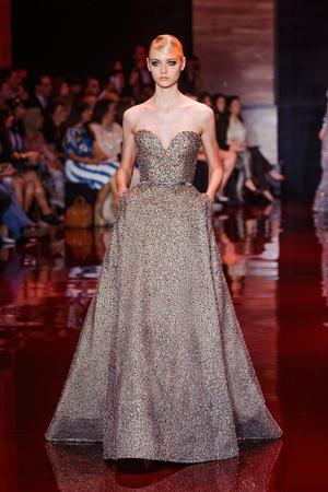 Показ Elie Saab коллекции сезона Осень-зима 2013-2014 года Haute couture - www.elle.ru - Подиум - фото 556201