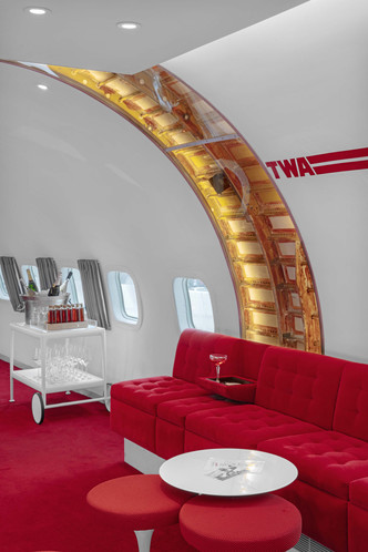 Пристегните ремни: бар в самолете при отеле TWA Hotel (фото 3.2)