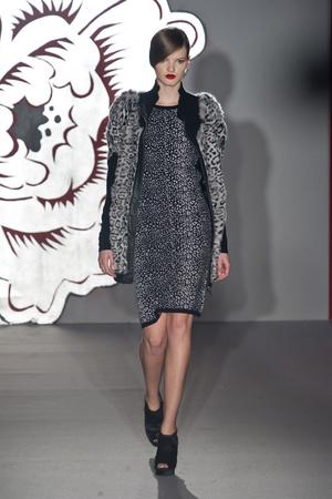 Показ Paola Frani коллекции сезона Осень-зима 2013-2014 года Prêt-à-porter - www.elle.ru - Подиум - фото 513726